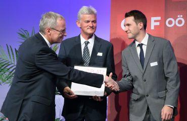 Prix d`innovatione 2015 otorgado para LIFTKAR PTR sube-escaleras orugas por el gobierno de Alta-Austria